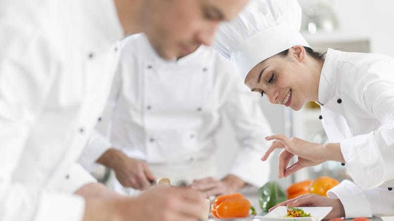 Ayudante Cocina | Ayudante De Cocina Hotel Arennas Mancora Turismo 360