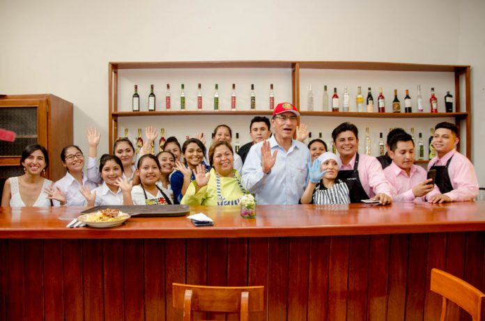 Presidente Vizcarra inauguró el nuevo taller de gastronomía de la UNICA