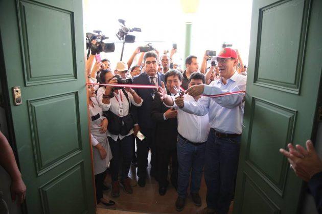 Autoridades inaugurando el nuevo taller de gastronomía de la UNICA