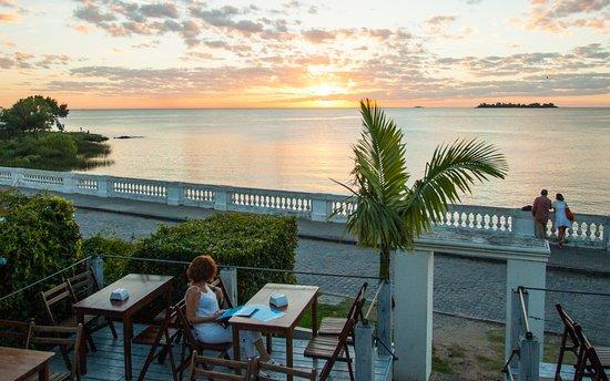 Uruguay devolverá el 22% del IVA a turistas peruanos