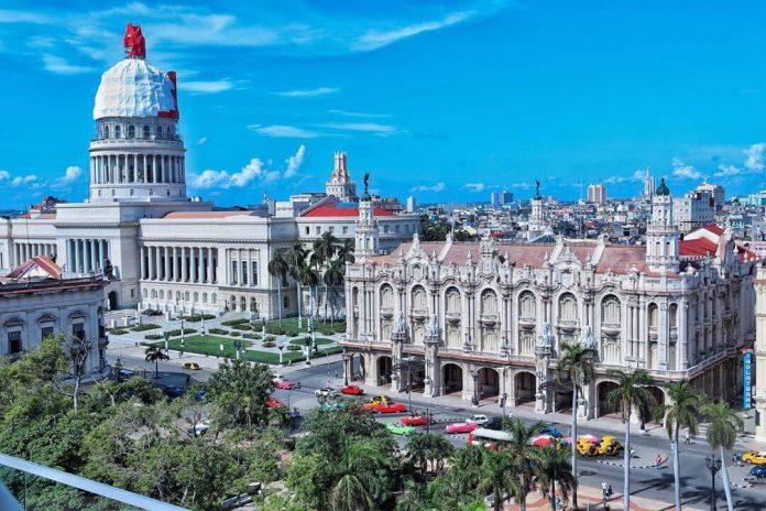 Cuba reinicia el turismo bajo regulaciones sanitarias