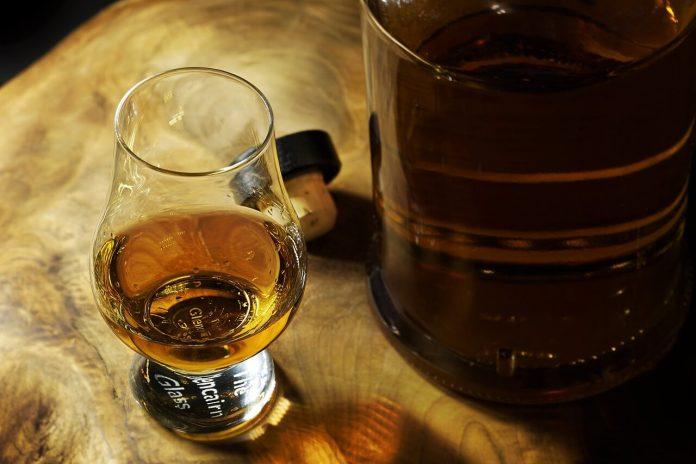 El Club del Whisky regresa al Mercure Santa Marta Emile