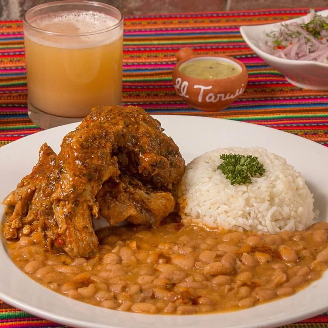 El seco de cabrito es un plato típico de Trujillo