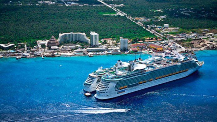 Las Aerolíneas y cruceros incrementan en sus visitas a la isla Cozumel de México..