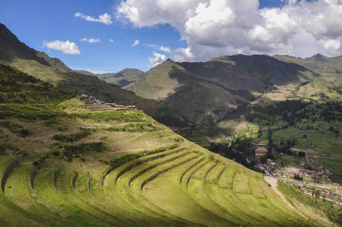 Cusco habilita vía alterna al parque arqueológico de Pisac.