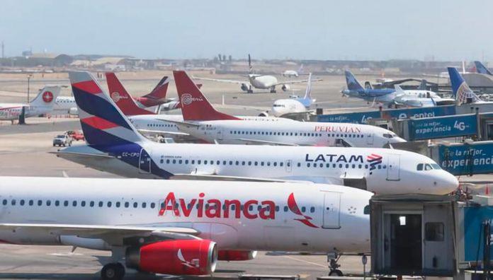 Conoce cuales son los requisitos de vuelo nacional e internacional para visitar los atractivos turísticos de Perú.