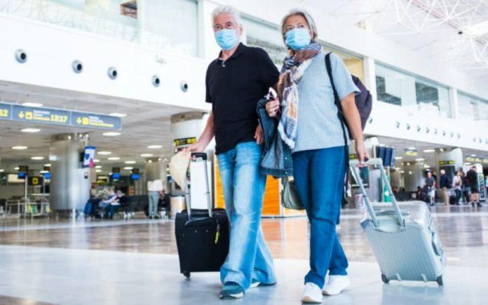 El reingreso a EE. UU. para los viajeros no vacunados está más rígida según la nueva política.