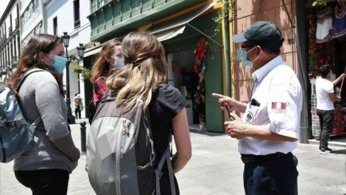 Serenos bilingües de Lima refuerzan seguridad durante reactivación del sector turismo